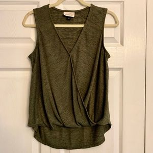 UNIVERSAL THREAD olive sleeveless high low top
